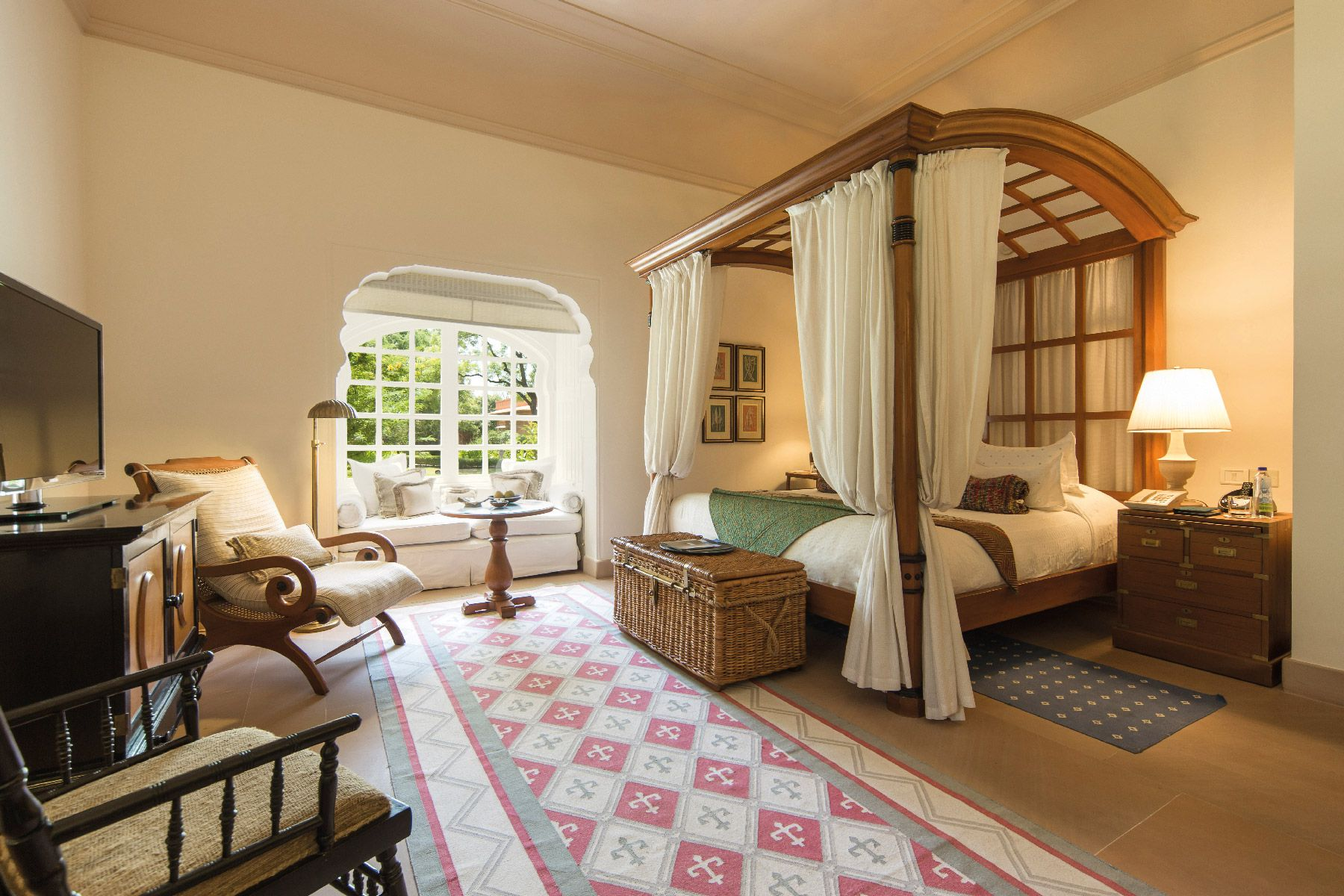 THE-OBEROI-RAJVILLAS